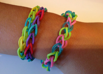le bracelet rainbow loom simple bracelets elastique. Black Bedroom Furniture Sets. Home Design Ideas